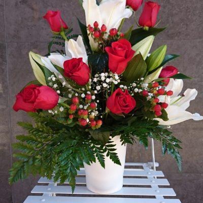 Enviar Centro de Rosas Y Lilium