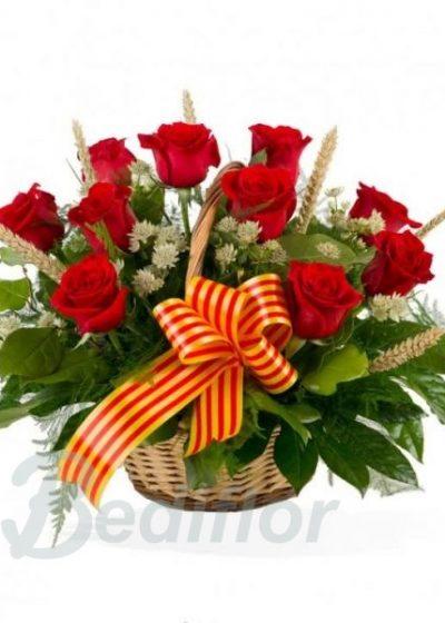 Cesta de rosas para sant jordi